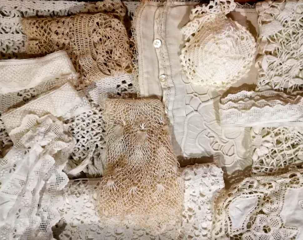 matriarca-biancheria-per-la-casa-tessuti-vintage-pizzi-merletti-antichi-centrini
