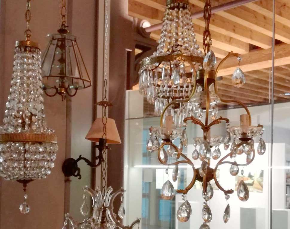 Lampadario Antico A Gocce : Lampade e illuminazione matriarca welcome home
