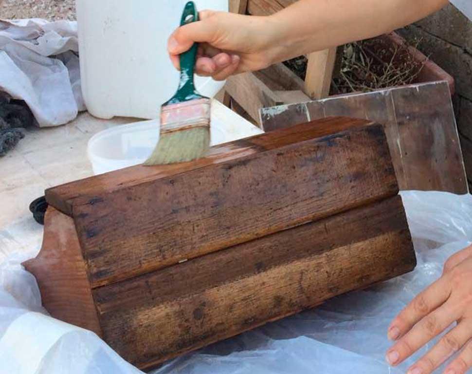 matriarca-restyling-restauro-oggetti-verniciatura-legno-conservativo-vintage