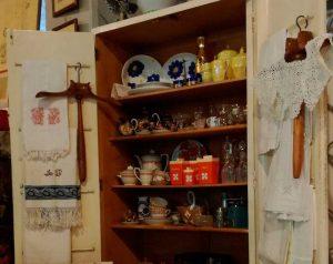 mobile-vintage-tipo-dispensa-cucina