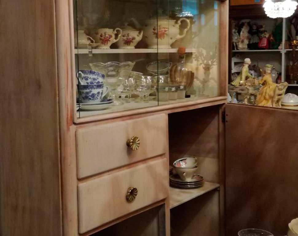 mobili-arredo-vintage-mobiletto-rosa