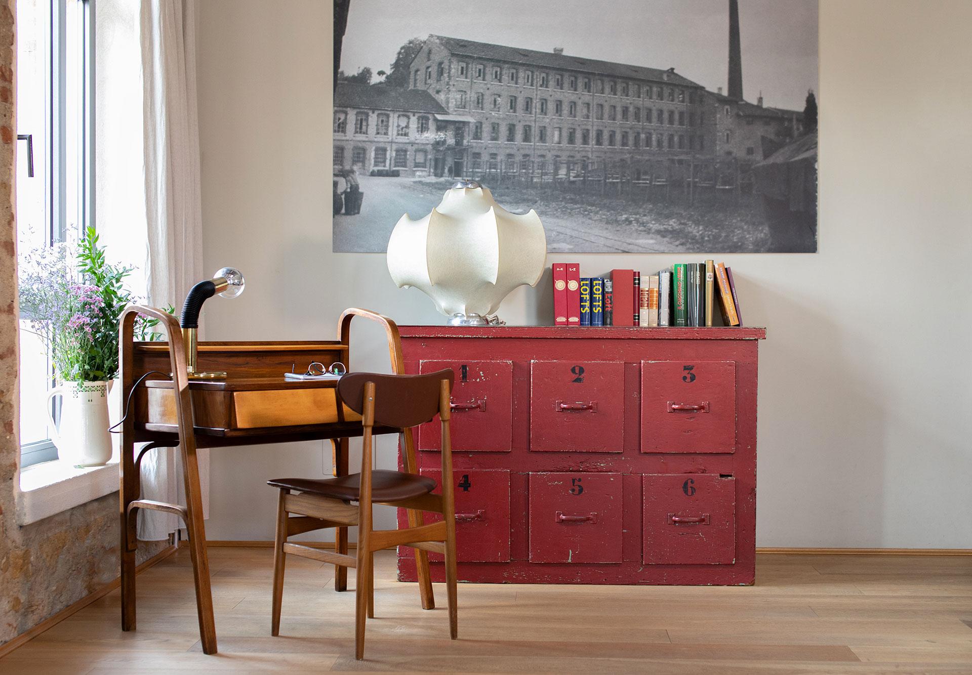 Come Allestire Una Libreria come arredare un loft industriale con mobili vintage
